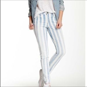 Joes Jeans Skinny Ankle Jean in Baby Blues 28